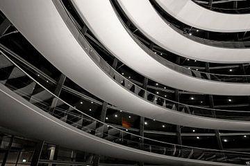 s Nachts in de Berlijnse Reichstag koepel