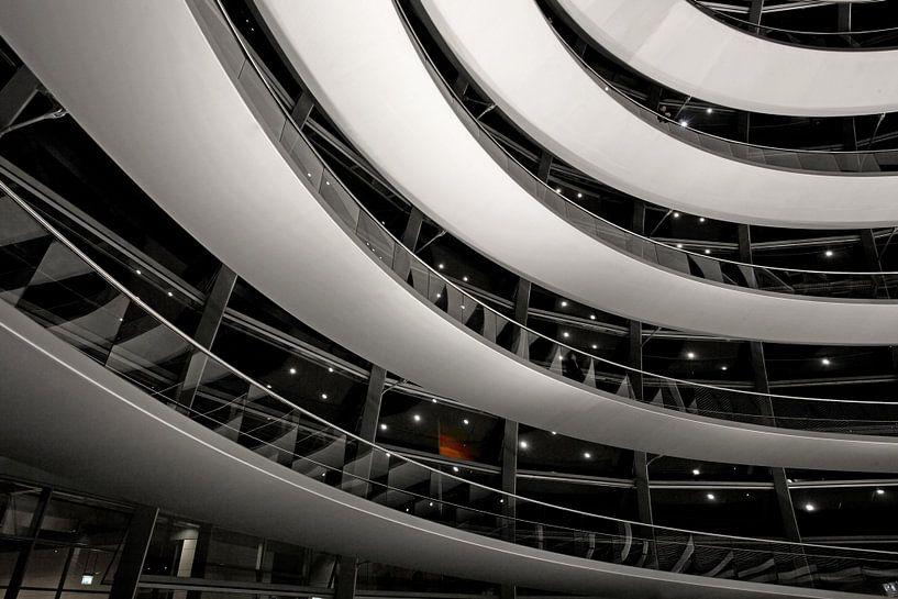 s Nachts in de Berlijnse Reichstag koepel van Frank Herrmann