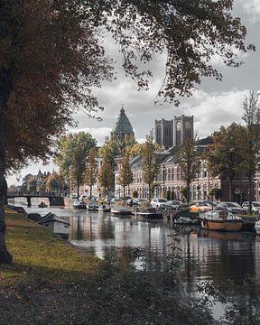 Haarlem: Leidse Vaart in herfsttinten. van Olaf Kramer