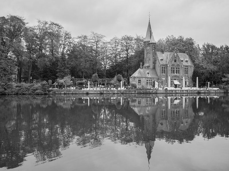 Kirche am Wasser von Martijn Tilroe