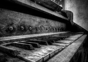 Lost Place - Klavier von Carina Buchspies