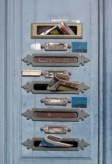 Franse brievenbussen met post