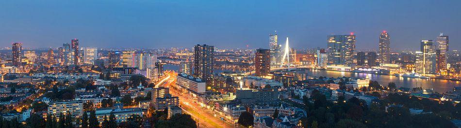 Panorama Rotterdam vanaf Erasmus MC van Ilya Korzelius