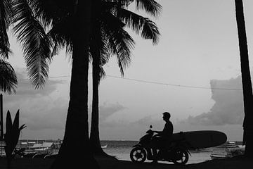 Surfer in Siargao, Philippinen von Wianda Bongen