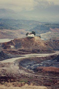 Huis op een griekse heuvel van Tijmen Hobbel
