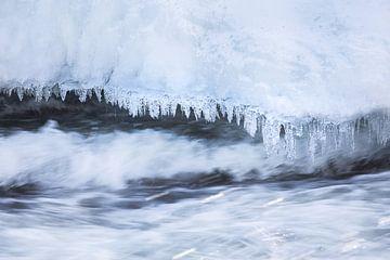 Ijspegels bij Storforsen waterval van Krijn van der Giessen