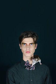 Mann mit Ratte von Iris Kelly Kuntkes