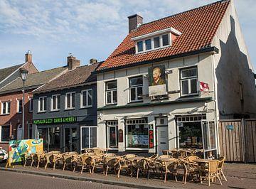 Cafe met terras van Egon Zitter