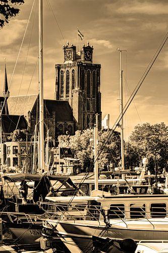 Onze-Lieve-Vrouwekerk te Dordrecht Nederland Sepia