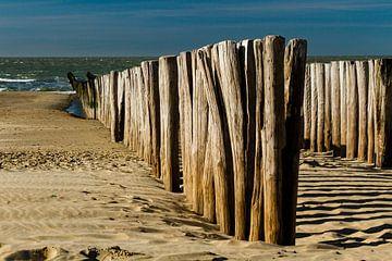 Golfbrekers in het zand van René Groenendijk