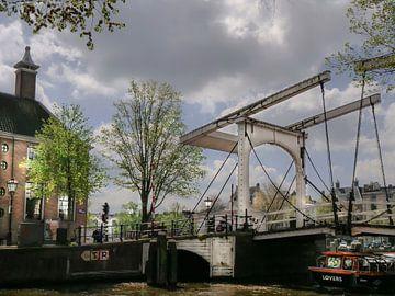 Nostalgie-Brücke in Amsterdam von ina kleiman