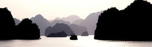 Lagen - Ha Long Bay van