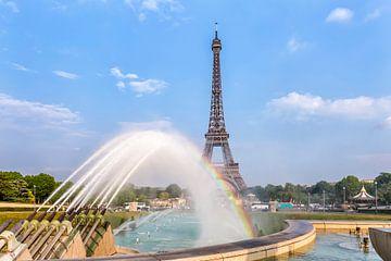 PARIJS eiffeltoren met regenboog van