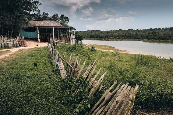 Huis aan het meer