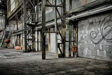 Oude fabriek III van Yvonne Smits