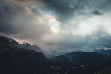 Dark clouds van Jip van Bodegom