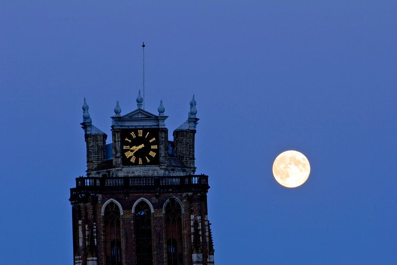 Grote Kerk en volle maan van Jeroen van Alten