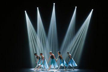 Dancers on stage von Griet  Dewijngaert