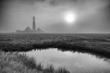 Vuurtoren Westerhever in de mist van Angelika Stern