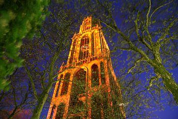 Utrecht met Oranje verlichte Domtoren von Erik de Geus