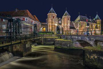 Een ander zicht op de Koppelpoort in Amersfoort sur Dennisart Fotografie