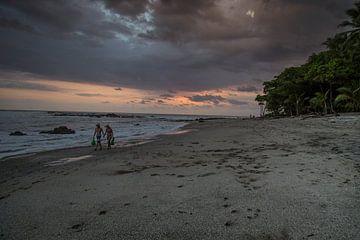 Promenade au coucher du soleil sur Julian Buijzen