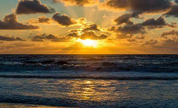 Gouden zonsondergang von Richard Steenvoorden