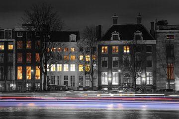 Amsterdam Grachten van Johnny van der Leelie
