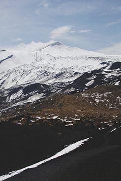 Etna van Marianne Bal