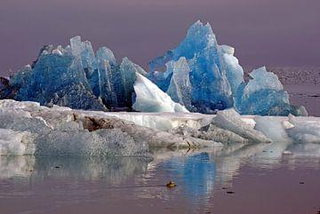 blauw ijs van Reinhard  Pantke