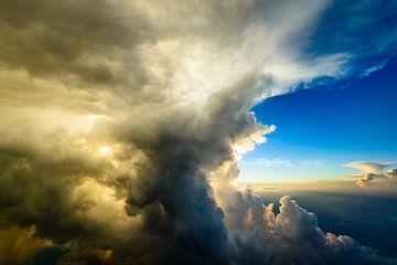 Achter de wolk van Denis Feiner