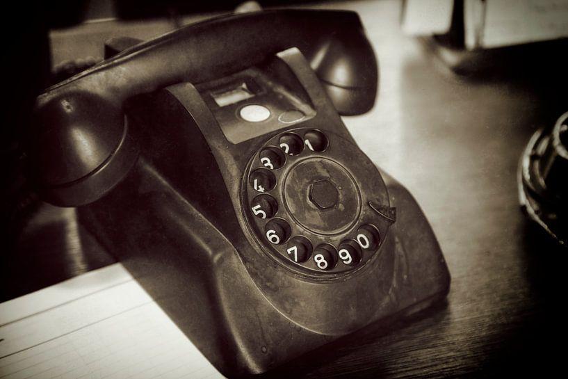 Antieke telefoon van Jan van der Knaap