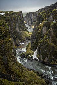Canyons of green van