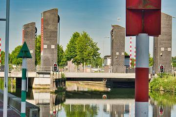 Die Zugbrücke im Zentrum von Weert von J..M de Jong-Jansen