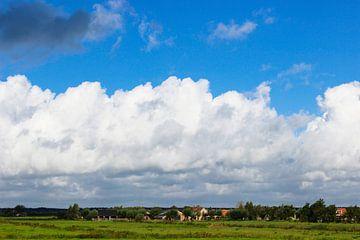 Wolken über dem Polder von Leo Kramp Fotografie