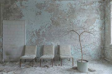 Warteraum in einem verlassenen Kinderkrankenhaus (Pripjat) von John Noppen