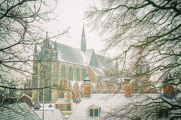 Hooglandse kerk in de sneeuw van Dirk van Egmond