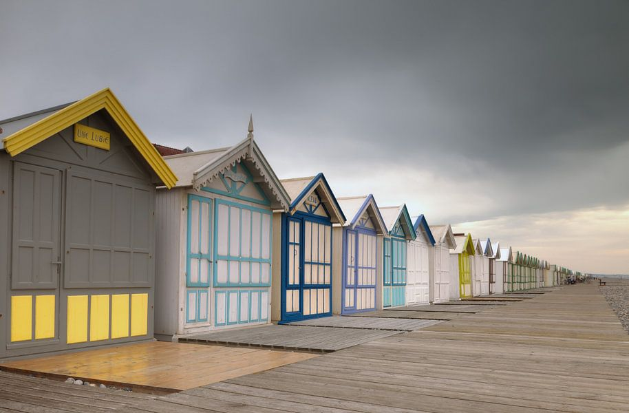 Strandhuisjes aan de Franse kust van Menno Schaefer