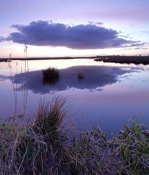 Zonsondergang over de Onlanden bij Matsloot (7) van Gerben van Dijk