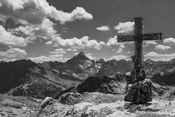 Bergkreuz und Hochvogel von Walter G. Allgöwer