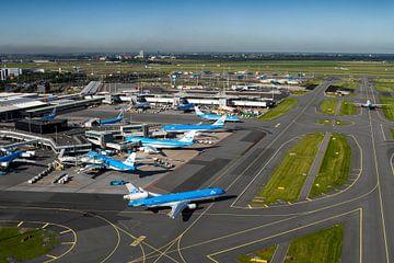 KLM vliegtuig vertrekt van Schiphol van Jeffrey Schaefer