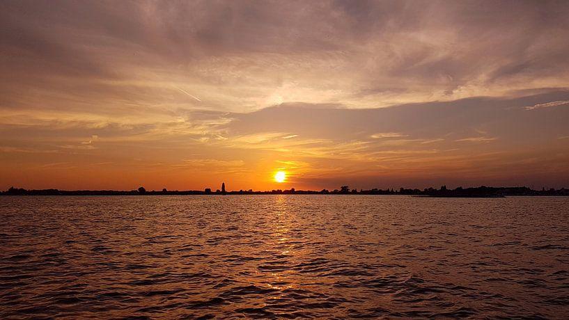 Gouden zonsondergang Loosdrecht van Danielle Bosschaart