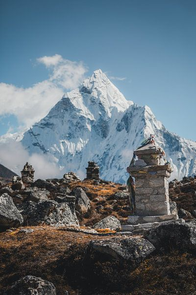Gedenkplaats in Nepal versie 2 van Roy Mosterd