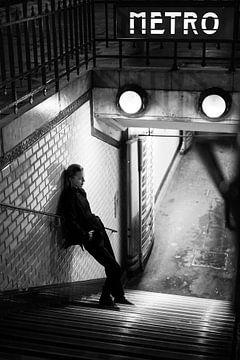 Metrostation für Nachtaufnahmen in Paris von Anouk Boonstra