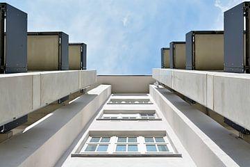 Naar boven kijken van Heiko Kueverling