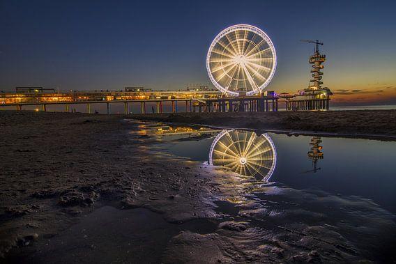 Reuzenrad op de pier van Scheveningen (2) van Jos Harpman