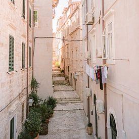 Straten van Dubrovnik | Pastel Kroatië reisfotografie print poster | Wanderlust-vibes van Raisa Zwart