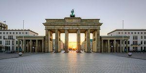 A sun star at the Brandenburg Gate
