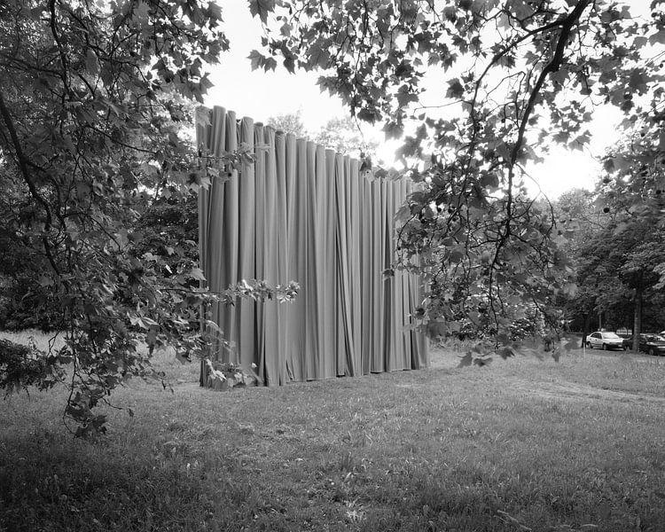 Curtain up - curtain closed - kunstinstallatie in het centrum van Leipzig van Michael Moser