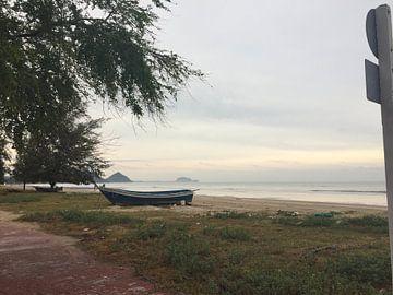 Pranburi beach Thailand van